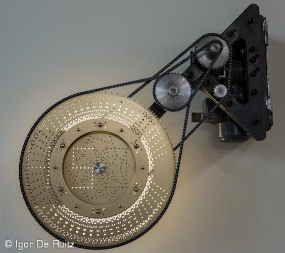 Tic by Boele Zwanenburg